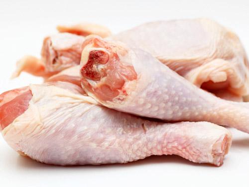 Chọn mua gà ngon và an toàn